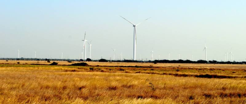 Travel Blog India | Huge windmills in rann of kutch