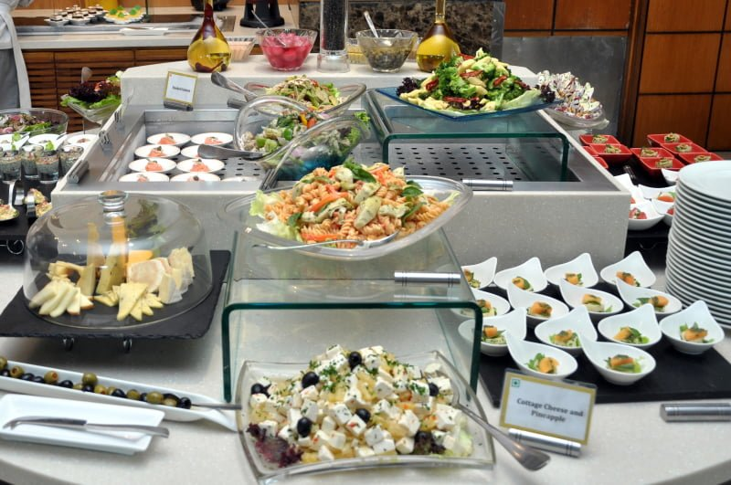 Peachy List Of 10 Must Try Buffets In Delhi Home Interior And Landscaping Oversignezvosmurscom