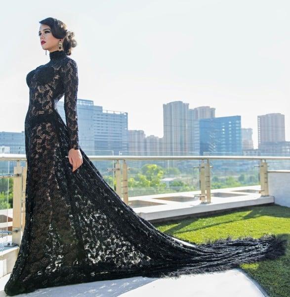 Sunny Leone in Designer Rohini Gugnani