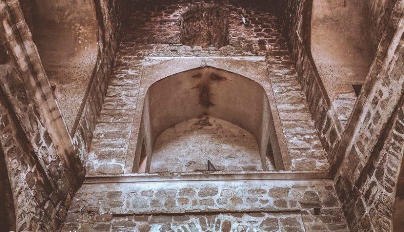 Agrasen ki Baoli in pictures
