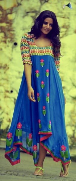 What fabrics to wear in monsoons