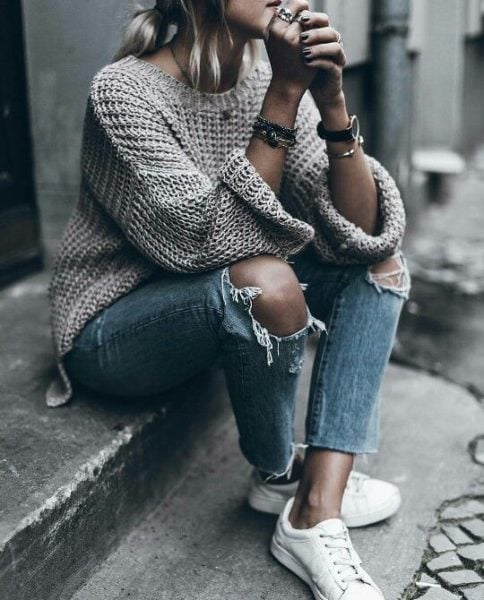 Get the weekend vibe right with a snug oversized sweater.