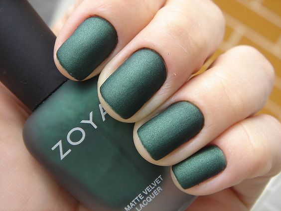 Such a pretty moss green color this is. Perfect for Christmas party!