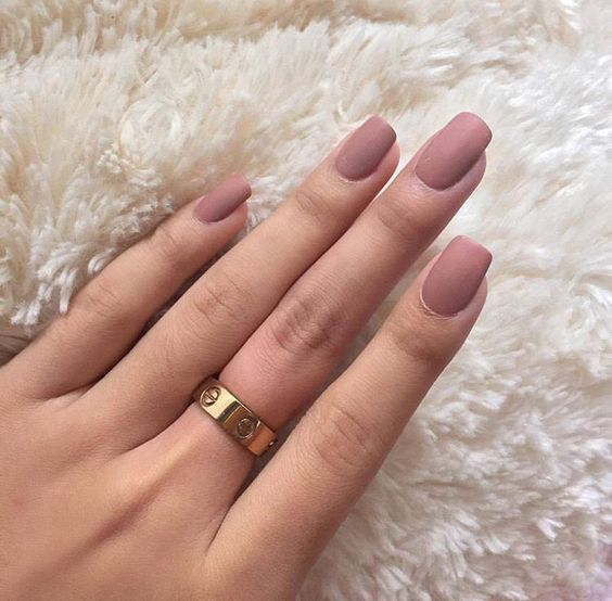 Totally crushing over this nude matte look!