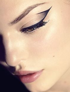 Bringing back the Cleopatra feel with this beautiful eyeliner. Source - Pinterest/Hercampus