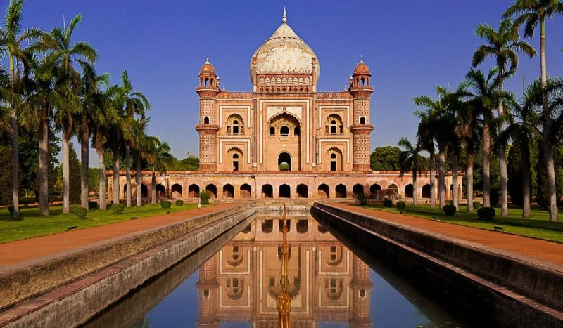 Safdarjung Tomb looking nothing less than a dreamy destination. Source - DelhiTourism.com