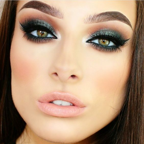 smokey eye make-up