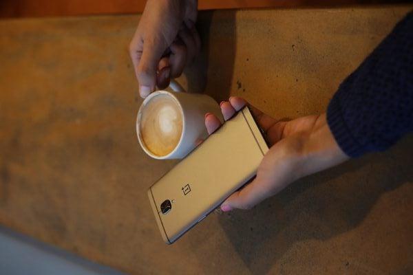 OnePlus 3T gunmetal colour