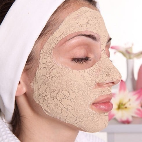 aloe vera and multani mitti face pack