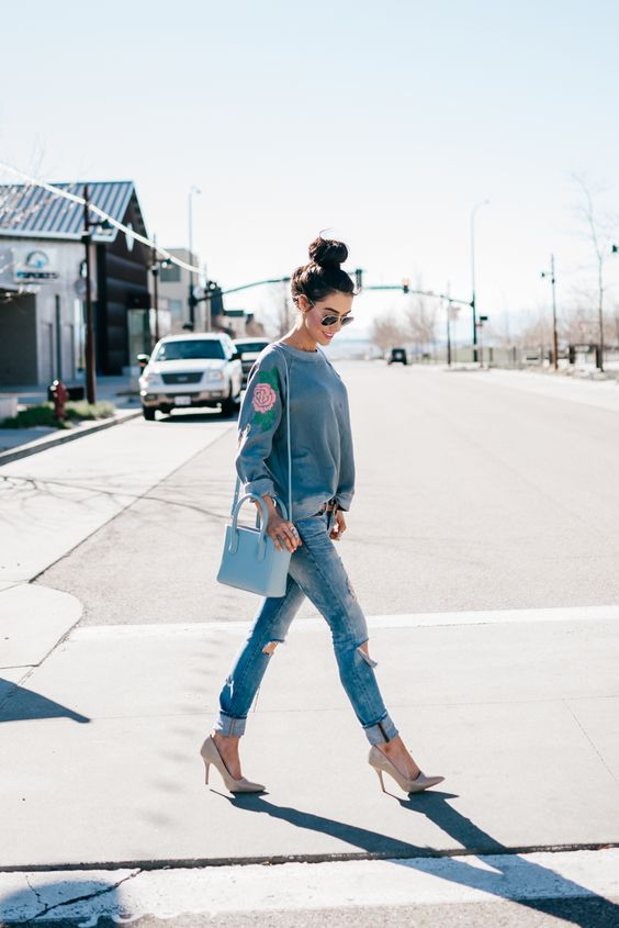 sweatshirt outfits for winters