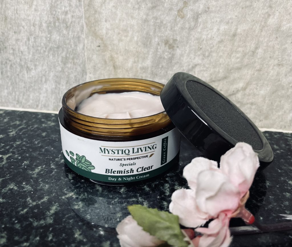 Mystiq Living Green Coffee Blemish Clear day & night cream review